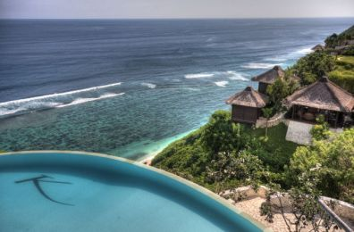 Infinity pool & Karma Spa